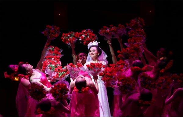 青春版《迟开的玫瑰》新春惠民演出持续热演