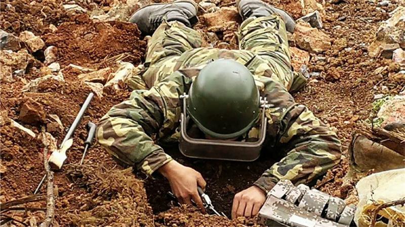 直击云南边境扫雷:已清理数万枚炮弹