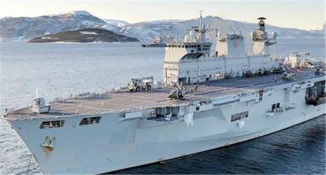 """英海军旗舰""""海洋""""号退役之际仍担任领航舰"""