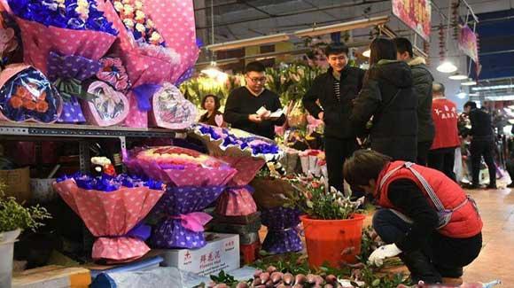 北京花商备足玫瑰抢商机