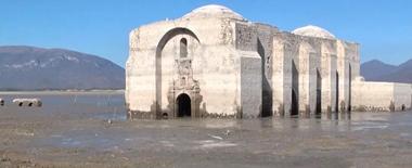 """外媒发布墨西哥""""重现江湖""""古教堂航拍画面"""
