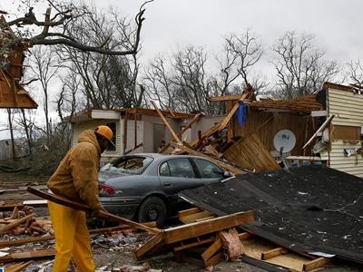 美国得克萨斯州遭遇龙卷风袭击