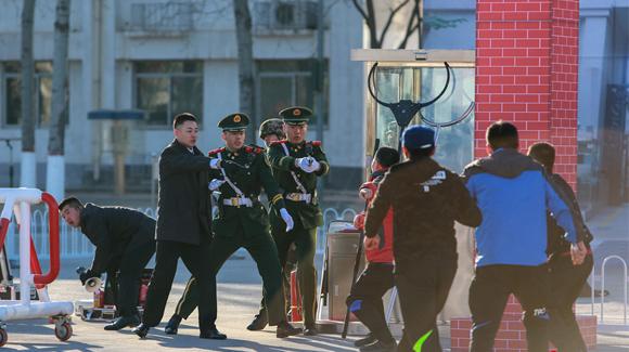 武警选拔两会安保力量 至少经过五道筛选