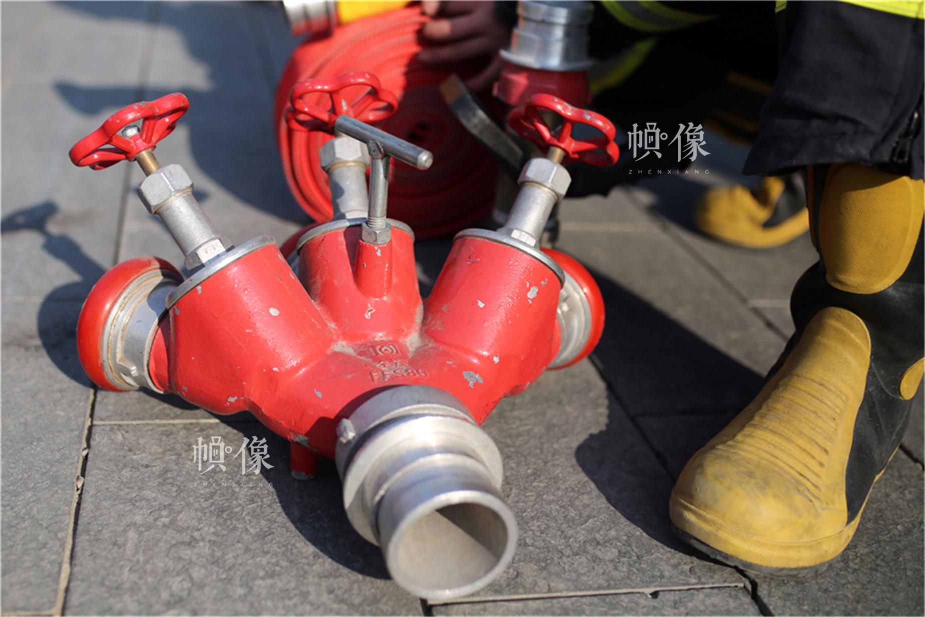 消防水管接口。