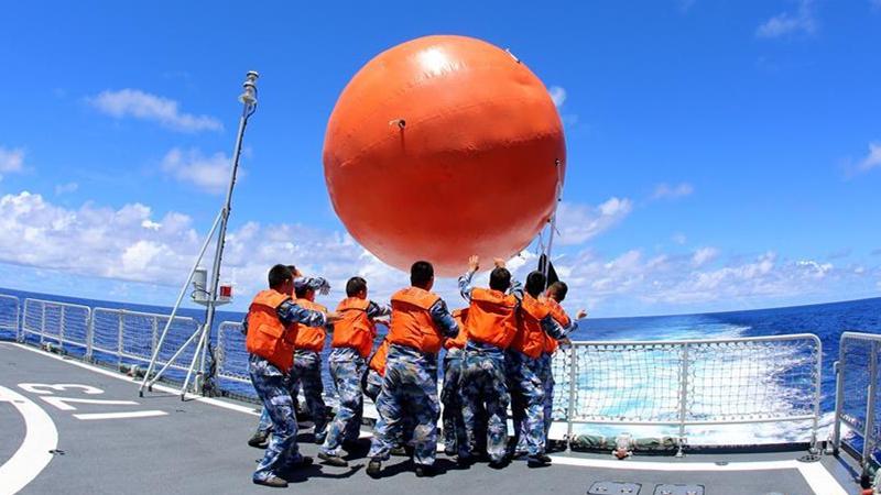 中国海军南海舰队远海训练编队组织海上现场反击演练