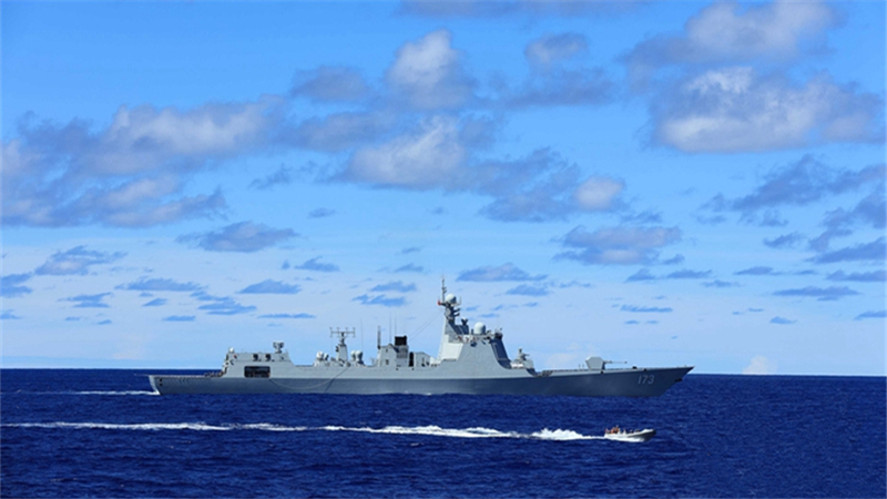 南海舰队远海训练编队在东印度洋组织反恐反劫持演练