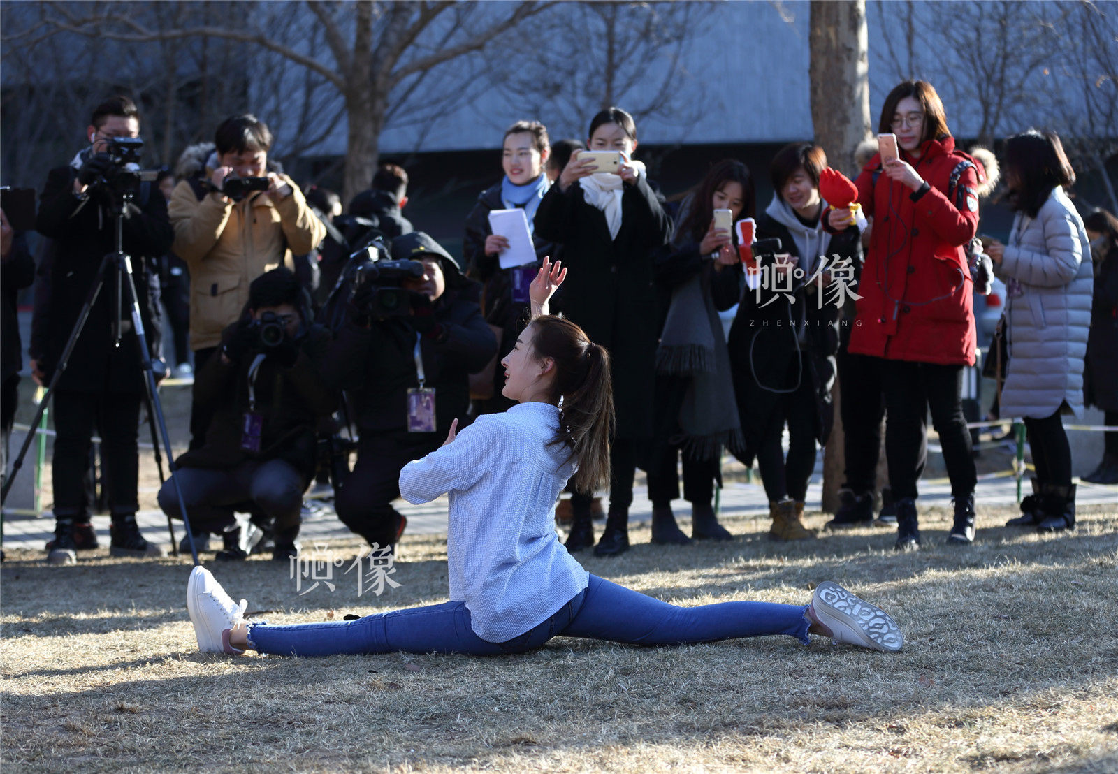2017年2月8日,北京电影学院2017年度艺考招生考试开始,表演系考生颜值爆棚。中国网记者陈维松 摄