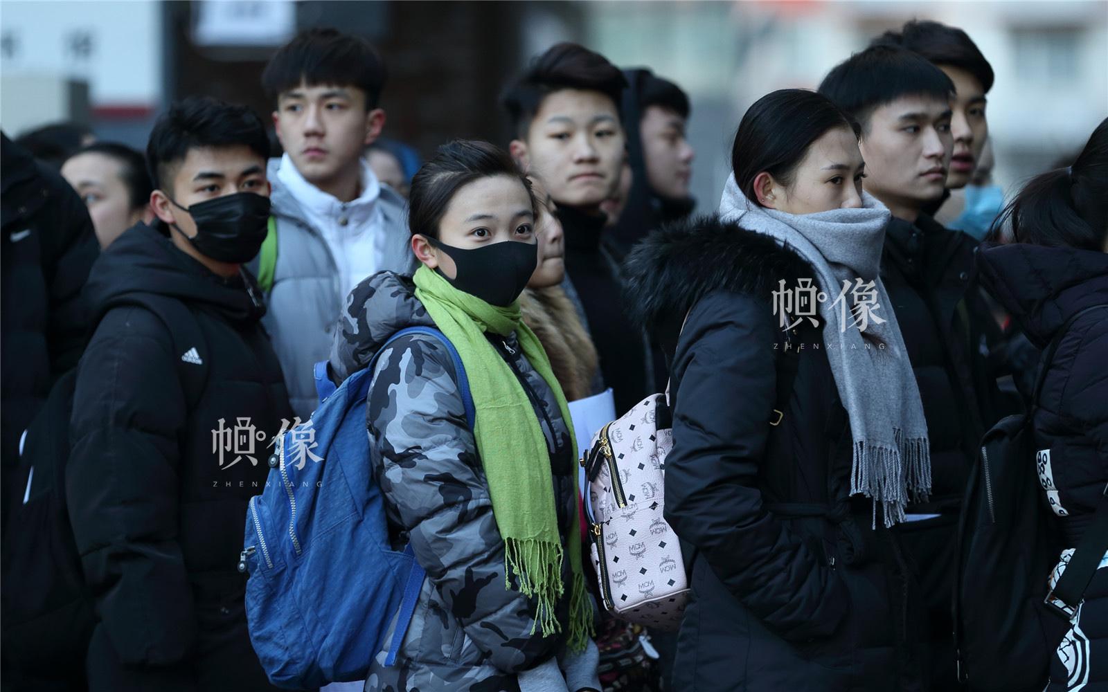 2017年2月10日,北京电影学院,林妙可亮相考场.中国网记者陈维松 摄图片