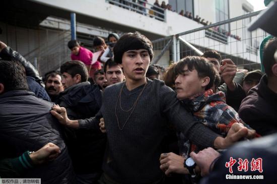 德国政府为快速遣返难民推出新规 引发强烈抗议