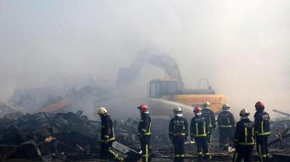 北京旧货市场大火 现场损失惨重