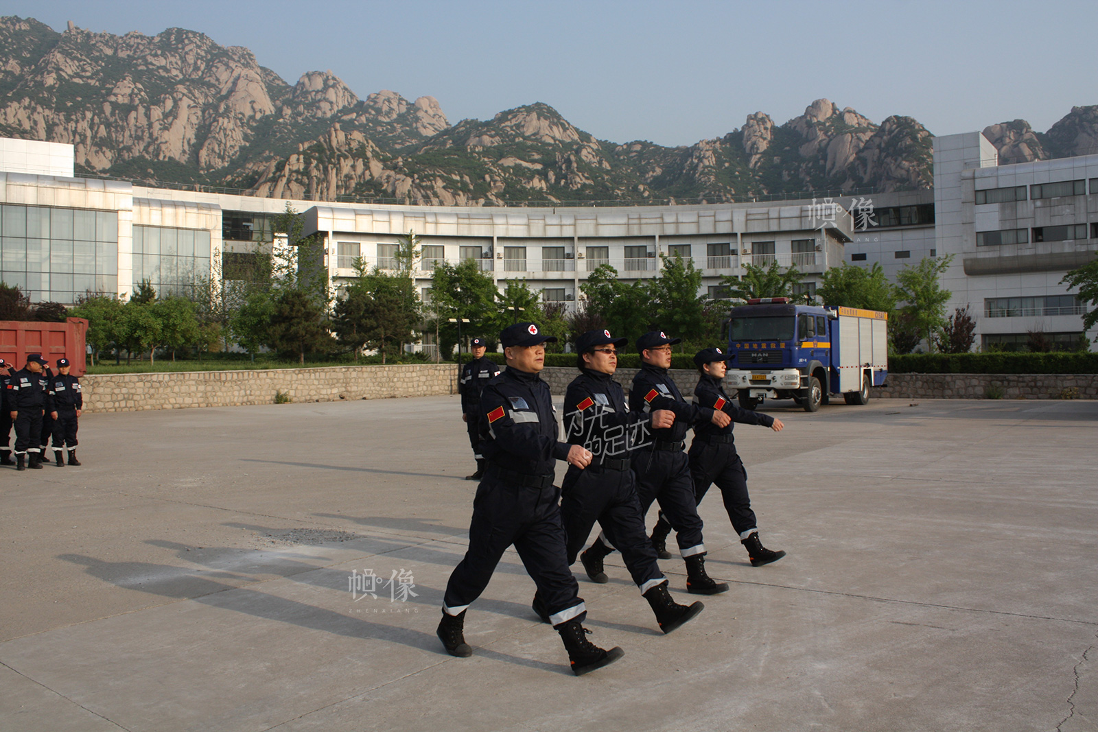 2013年5月,王志东在国家地震紧急救援训练基地参加应急救援培训。(北京市西城区红十字会供图)