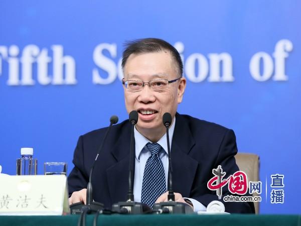 黄洁夫:养老产业医养结合要与医改结合