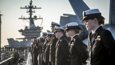 軍情24小時:美航母抵達釜山港 行站坡禮節