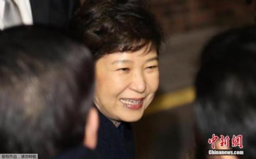 乐天总裁一家涉嫌向朴槿惠行贿 今起再接受审讯