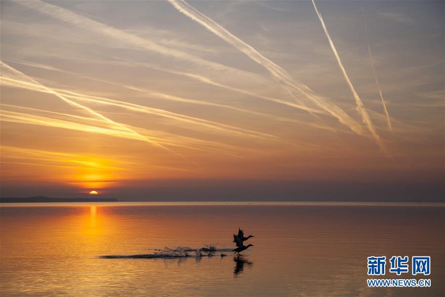 (外代二线)巴拉顿湖日出