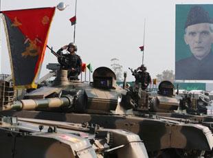 巴基斯坦国庆阅兵彩排 大量中国装备现身