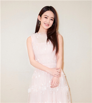 赵丽颖白衣长裙素雅 微微浅笑气质动人