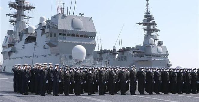 日'加贺号'直升机航母服役:'这就是日本的实力'