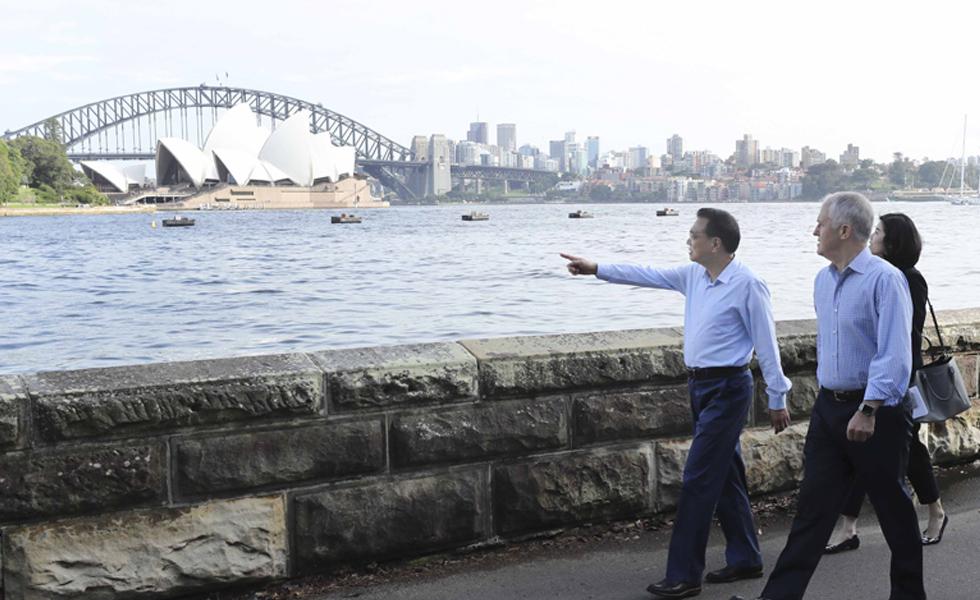 李克强与特恩布尔悉尼湾散步