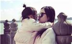 李小璐母女颐和园游玩 甜馨墨镜丸子头超酷
