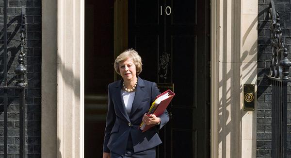 英国首相同意在脱欧后保留在英欧盟公民的权利