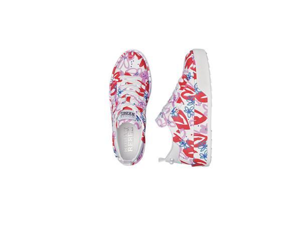 90秒知道 如何用珍珠尾运动板鞋秒杀烂大街的小白鞋?
