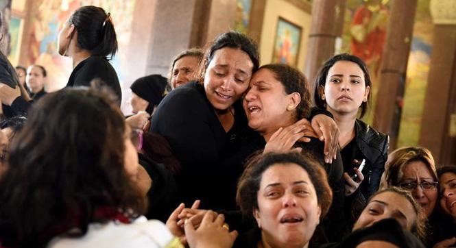 埃及亚历山大举行教堂爆炸袭击遇难者葬礼