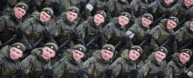 俄舉辦勝利閱兵式綵排 北極裝備驚艷亮相