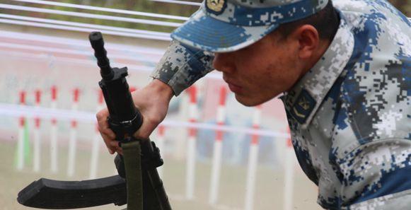 中部战区空军导弹某团组织开展一季度大练兵