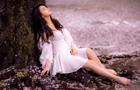 冉瑩穎櫻花樹下露美腿