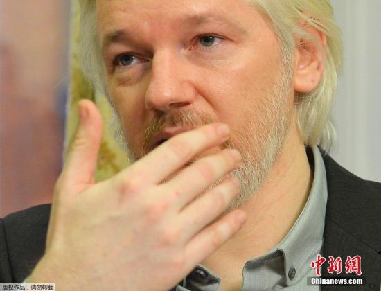 """""""维基解密""""网站创始人阿桑奇当地时间18日召开新闻发布会时表示,确认自己将于不久后离开厄瓜多尔驻英国使馆,但他并未提及具体离开的时间及更多细节。阿桑奇表示,自己的健康状况4年来不断恶化,他希望英国当局不再对其进行通缉,让他重获自由。"""