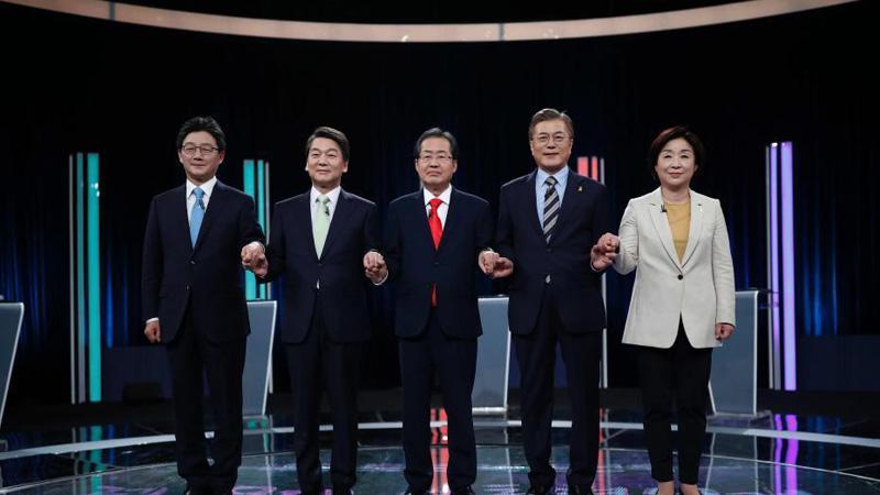 韩国大选第二场电视辩论举行