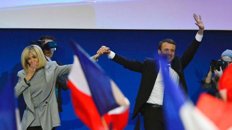 法国大选投票初步结果:马克龙、勒庞进入第二轮