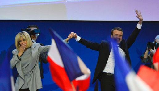 法国大选:马克龙、勒庞进入第二轮