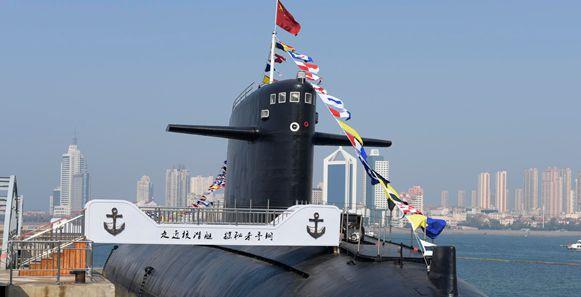 """北海艦隊在海軍博物館舉行""""長征一號""""展覽開幕儀式"""