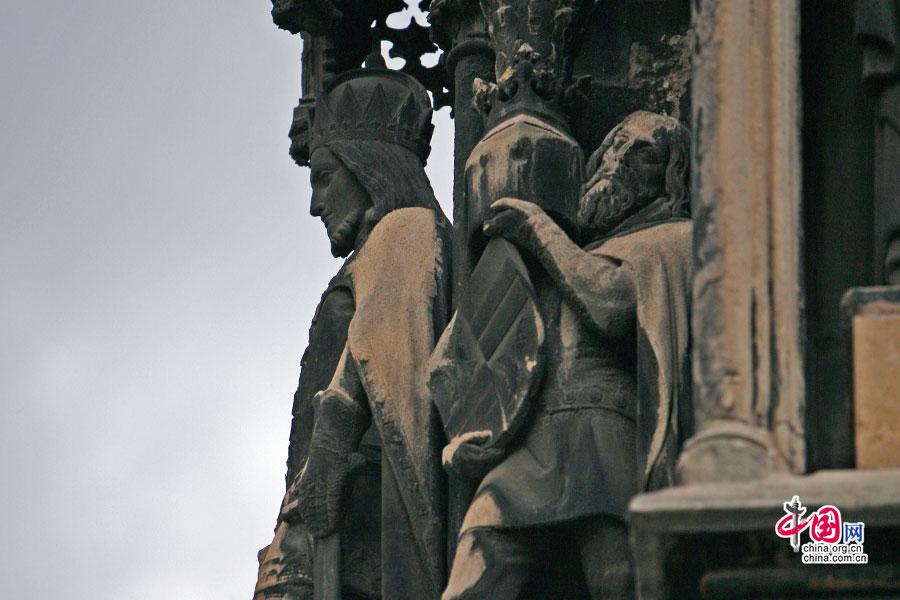 被时光凝固住的雕像