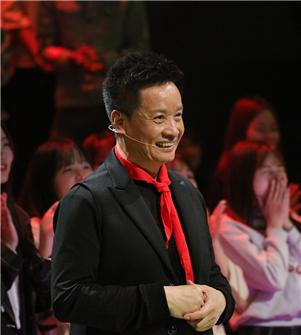 《歌声的翅膀》首播 阎维文盛赞少数民族少年