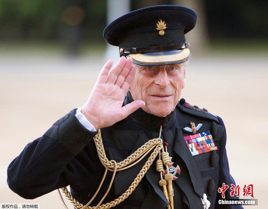 """英女王丈夫菲利浦亲王今年9月起""""退休"""""""