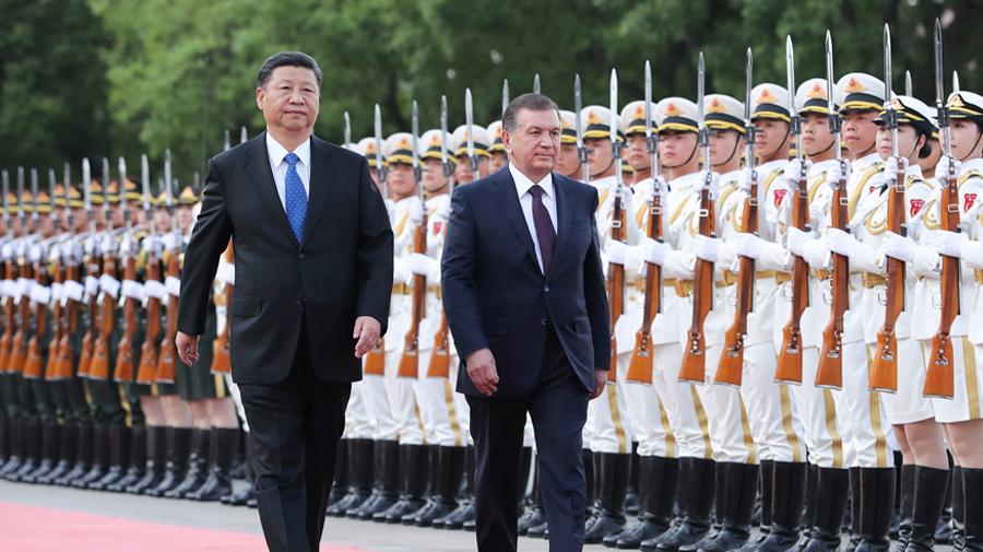 习近平同乌兹别克斯坦总统米尔济约耶夫举行会谈