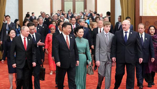 习近平举行'一带一路'高峰论坛欢迎宴会