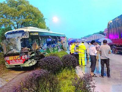 江西鹰潭车祸:2名货车司机被控制 排除酒驾毒驾