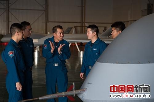 无人机飞行员李浩 因为热爱所以不舍