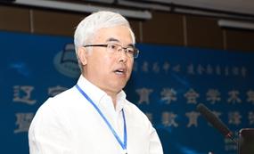内蒙古乌兰浩特市教育局局长 杨华