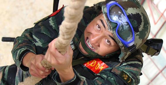 """大理""""兵阿鵬""""吹響雪域高原極限訓練衝鋒號"""