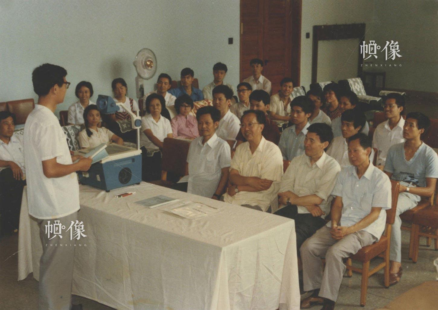 清华大学自动化系信息教研组研究生答辩会。