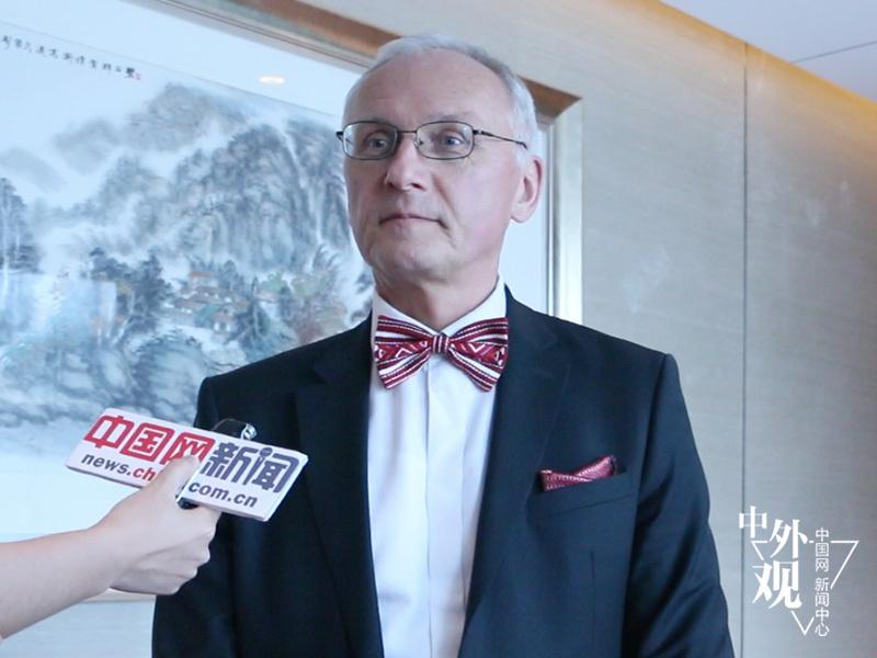 白俄罗斯文化部部长斯维特洛夫接受中国网采访。