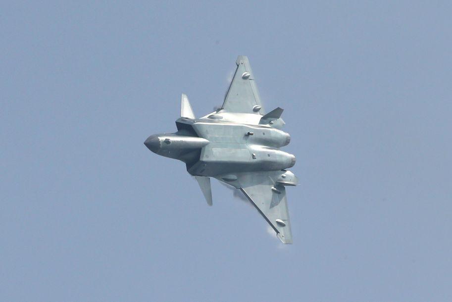 歼-20战机