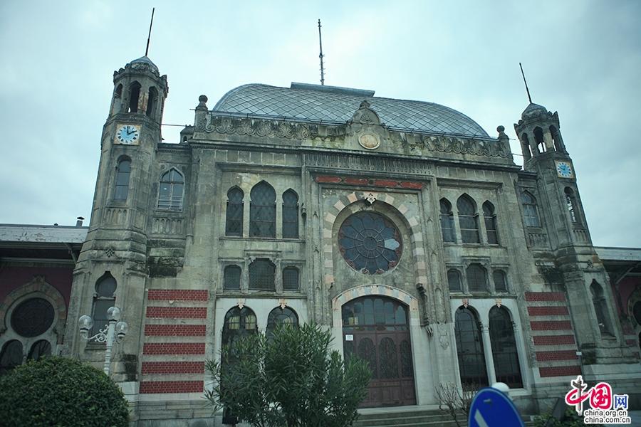 多玛巴赫切宫附属建筑