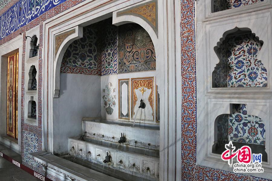 穆拉德三世私人宫殿三层大理石喷泉