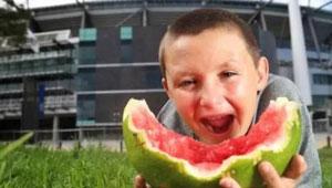 外国人也爱吃西瓜吗?